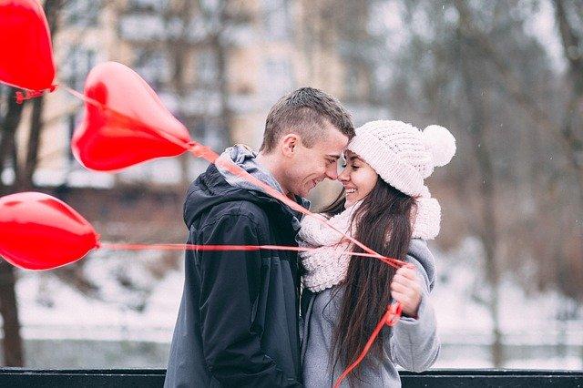 masih jomblo? praktikkan cara ini untuk menggaet pacar Masih Jomblo? Praktikkan Cara Ini untuk Menggaet Pacar people 2589047 640