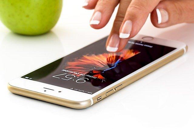 hoax Think Before You Click: Cara Ampuh Atasi Hoax smartphone 1894723 640