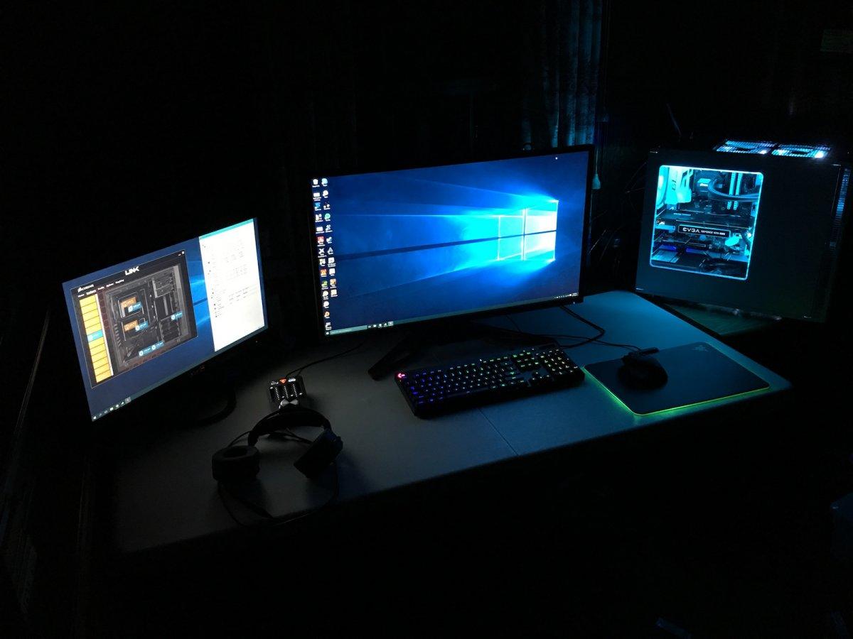 monitor gaming monitor Berapa Ukuran dan Resolusi Monitor PC Gaming yang Ideal? pc gaming 1