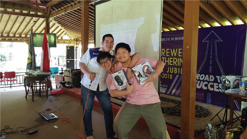 rexus goes to school,sma jubilee,kemayoran,seminar gamer cerdas,produk gaming rexus Rexus Goes to School Sapa Ratusan Siswa SMA Jubilee, Jakarta rexus goes to school 02