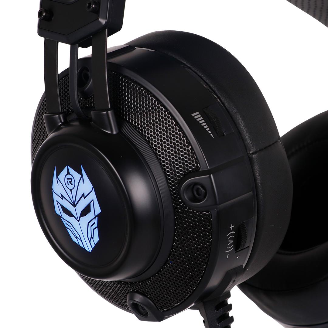 Cukup membahas mengenai bentuk, kami pun tertarik dengan bentuk speaker dome atau earcup headset ini. Sepasang peranti ini merupakan peranti paling penting ...
