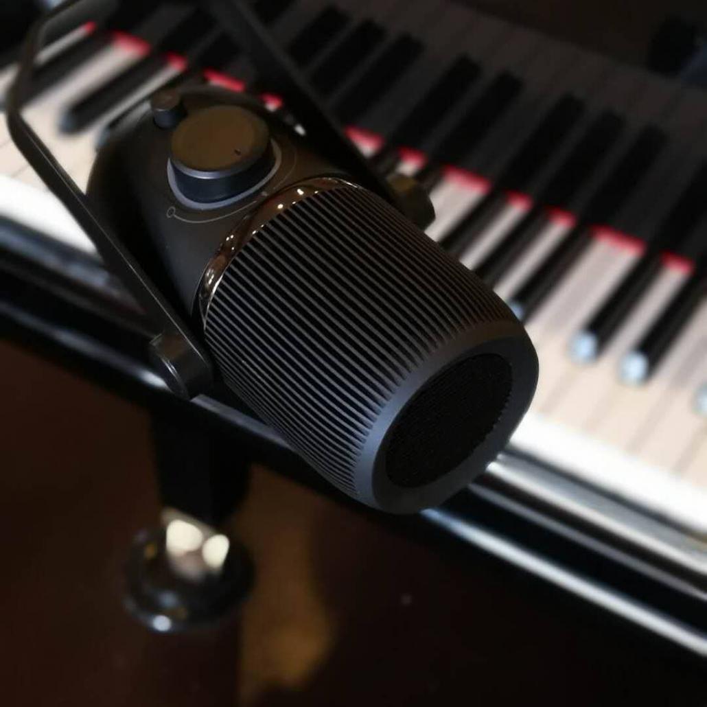 mikrofon Apa Itu Mikrofon Condenser? Kenali Kelebihannya Dibandingkan Mikrofon Biasa IMG  23 1030x1030