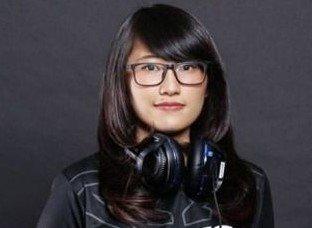 gamer 5 Cewek Gamer Indonesia yang Jago Game Point Blank cronoz