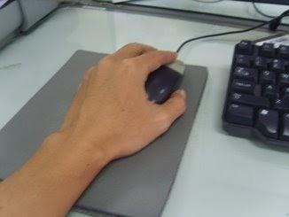 mousepad plastik mousepad Cara Membersihkan dan Mencuci Mousepad Berdasar Bahannya mouse kiri