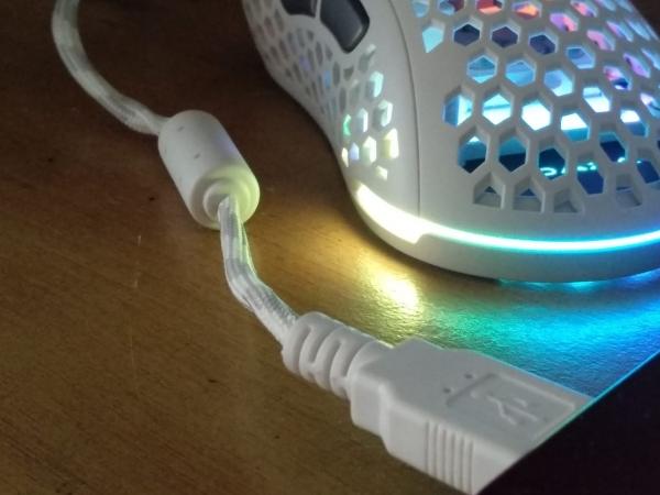 magnet Ring Magnet di Kabel Peralatan Gaming. Apa Itu dan Fungsinya? ferit2 600x450