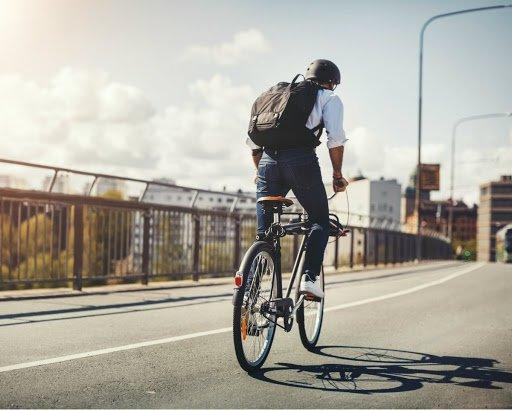 bersepeda earphone Waspada Begal, Ini Tips Aman Pakai Earphone Saat Bersepeda bike