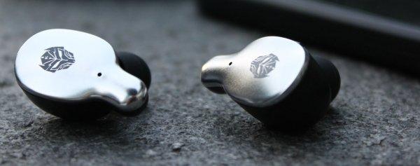 tws Rexus earphone Waspada Begal, Ini Tips Aman Pakai Earphone Saat Bersepeda WL TWS 03 600x237