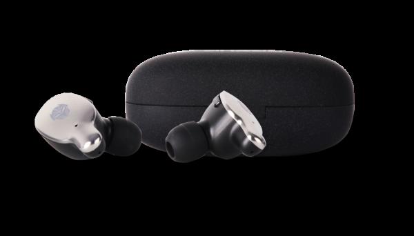 tws gaming rexus fx1 earphone 10 Kiat Memilih Wireless Earphone Bluetooth yang Bagus dan Terjangkau WL TWS 04 600x342