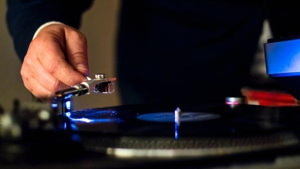 """hi-fi Memilih Earphone Hi-Fi, Antara Gengsi dan """"Gimmick"""" hifi"""