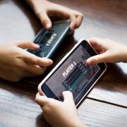 baterai Lakukan Hal Ini Agar Baterai Ponsel Hemat Saat Bermain Game mobile game 180x180 tips rexus Tips mobile game 180x180