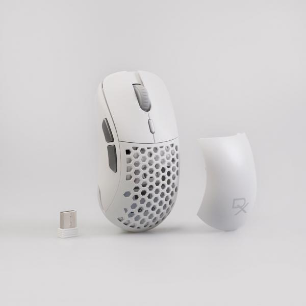 Mouse gaming DAXA Air II Wireless Gen 2 White mouse Mouse Gaming Daxa Air 2 Wireless Generasi 2, Makin Lengkap dan Mewah DA2W 05 600x600